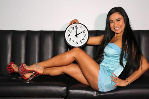Sara Clock 18